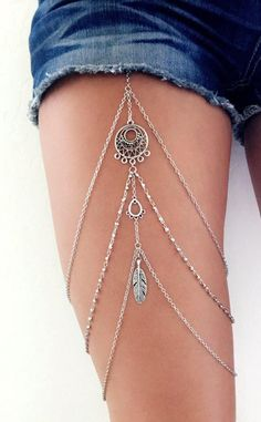 jeweils Boho Garter Leg Chain Garter Thigh Chain Leg Harness Leg Do You Realize You Live In A Solar Body Chain Jewelry, Fine Jewelry, Diy Body Chain, Waist Jewelry, Body Jewellery, Jóias Body Chains, Leg Harness, Leg Chain, Jewelry Accessories