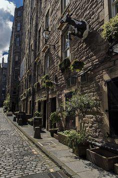 Niddry Street (South), Edinburgh by Colin Myers on Flickr