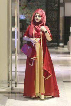 Dpz for girls Modern Hijab Fashion, Abaya Fashion, Muslim Fashion, Suit Fashion, Girl Fashion, Fashion Outfits, Latest Pakistani Fashion, Pakistani Fashion Party Wear, Hijabi Girl