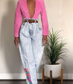 Perfect outfit idea to copy ♥ For more inspiration join our group Amazing Things ♥ You might also like these related products: - Jeans ->. Tokyo Street Fashion, Fashion 90s, Estilo Fashion, Star Fashion, Daily Fashion, Ideias Fashion, Fashion Brands, High Fashion, Autumn Fashion