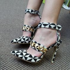 Black geometric pointy-toe heel with gold metal decor #cutesyoriginals