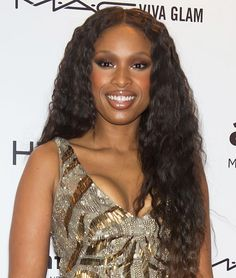 Jennifer Hudson is a big fan of long, waist-length locks. At the MAC Viva Glam launch, she added sexy crimps for lots of body.