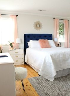 Gorgeous teen bedroom with a DIY tufted headboard. This space is glamorous and sophisticated. #HomeDecorBedrooms