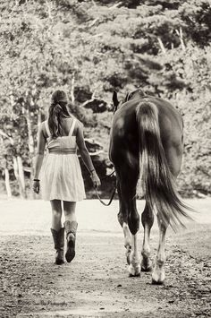 I had a couple horses as a young girl, and we had sooooooooo much FUN!!