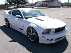 Car brand auctioned: Ford Mustang S281 SALEEN EXTREME 2006 Car model ford mustang s 281 saleen extreme coupe