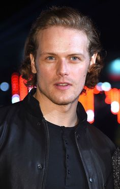 SAM HEUGHAN and Catriona Balfe braved the cold in Edinburgh to attend the hotly anticipated premiere.