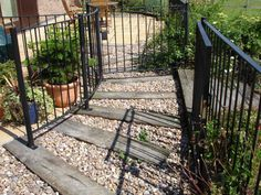 Kneeton's steps, raised beds and stepping stones from used oak railway sleepers 4