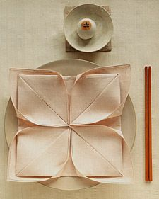 Napkin fold lotus flower
