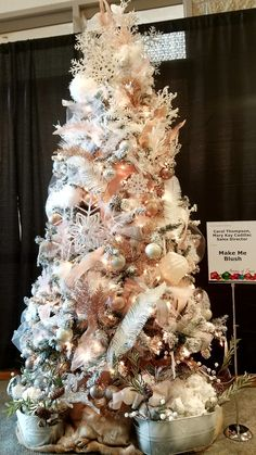 Make Me Blush tree donated by Carol Thompson marykay.ca/carolt Champagne Christmas Tree, Rose Gold Christmas Tree, Rose Gold Christmas Decorations, Frosted Christmas Tree, Christmas Tree Inspiration, Christmas Tree Design, Christmas Tree Themes, Elegant Christmas, Christmas Tree Decorations