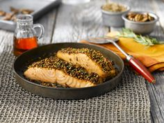 All-Bran™ Maple Pecan Crusted Salmon Recipe - This crust, with a hint of sweetness, is absolutely irresistible atop a fillet of fresh, bright Pacific Salmon. Cooking Recipes, Healthy Recipes, Yummy Recipes, Healthy Food, Pecan Crusted Salmon, Pacific Salmon, All Bran, Maple Pecan, Tasty