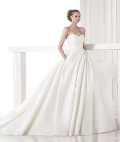 Robes de mariée coup de ♥ on Pinterest  Robes, Mariage and Jesus