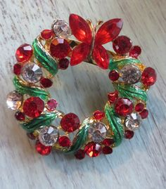 Vintage Rhinestone Christmas Wreath Brooch