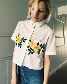 "14 k mentions J'aime, 98 commentaires - Tessa (@tessa_perlow) sur Instagram : ""Ok; new top on etsy! butterfly top is up as well They are both one of a kind and upcycled…"""