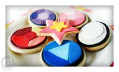 Fondant decorated sugar cookies inspired by the cartoon show Steven universe! Baby Shower, Fandoms, Geek Stuff, Party, World, Sugar Cookies, Vale, Geek Culture, Custom Cakes