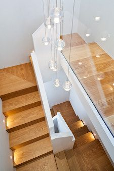 Railing made of glass and other materials, 50 dream staircases. - New house designs- Geländer aus Glas und anderen Materialien, 50 Traumtreppen. – Neu Haus Designs Railings made of glass and other materials, 50 … - Timber Staircase, Oak Stairs, Wooden Stairs, Modern Staircase, House Stairs, Staircase Ideas, Spiral Staircases, Painted Stairs, Stair Lighting