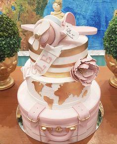 Baby Birthday Cakes, Birthday Party Tables, Luggage Cake, Planes Cake, Travel Bridal Showers, Travel Cake, Baby Christening, Fashion Cakes, Girl Cakes
