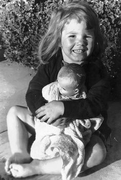 1955-little girl with her Ruthie doll