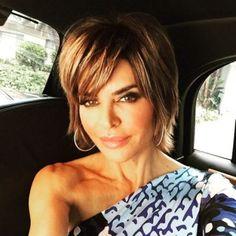 Lisa Rinna Hairstyles in 2018