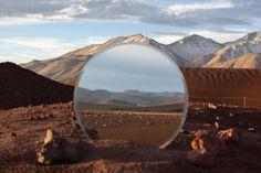 Cody William Smith est un photographe professionnel, il est originaire de Reno dans le Nevada. En tant que photographe, il se spécialise dans les paysages, les beaux-arts et le « portrait environnemental ».  Sa série « A Moment's Reflection » comprend 4 parties: la mer, le coucher de soleil, le désert et la montagne où Cody capture des paysages de nature sous le prisme d'un miroir. Cela crée un double paysage, une photo dans la photo, agrémentée de la forme géométrique du miroir.