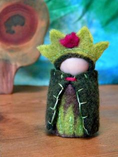 Magical Etsy Find :: Mama West Wind's waldorf-inspired peg dolls