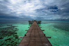Jetty at the water village, Kapalai Island, Malaysian Borneo...Breathtaking doesn't even describe this view<3