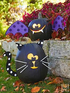 These easy Halloween crafts for kids are both fun and completely age-appropriate, perfect for the princess, superhero, or witch in your family. Get your house ready for Halloween with our friendly homemade Halloween decorations.
