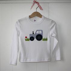 Zu finden auf http://www.my-little-store.de/t8h1xf4mbjl1vjh4:155 T-Shirt Traktor von karlotto • kinderkleidung & accessoires