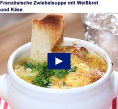 Französiche Zwiebelsuppe mit Weißbrot und Käse