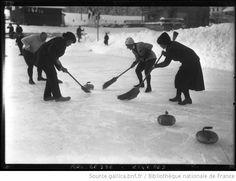 1913 Titre : Curling [Chamonix, 1-13] : [photographie de presse] / [Agence Rol] Auteur : Agence Rol. Agence photographique Date d'édition : 1913 Sujet : Curling Sujet : Sports de glace -- France -- Chamonix-Mont-Blanc (Haute-Savoie) Sujet : Chamonix-Mont-Blanc (Haute-Savoie)