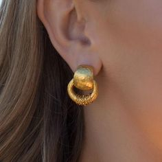 Our classic gold drop earrings evoke elegant simplicity with turquoise, mother of pearl and fused glass accents. Shop our fashion jewelry earrings collection. Gold Bangles Design, Gold Earrings Designs, Gold Jewellery Design, Gold Jewelry, Cartier Jewelry, Gold Mangalsutra Designs, Antique Jewellery Designs, Piercing, Gold Kangan