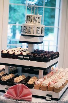 cup cakes- love this idea.