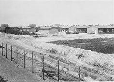 7) Hier zie je kamp Westerbork. De Nederlandse Joden werden eerst naar Westerbork gebracht en daarna naar andere concentratie kampen in bijv. Duitsland of Polen gebracht. Walter Süskind heeft door de vervalsing van papieren veel kinderen kunnen redden voordat ze op transport werden gezet naar Westerbork.
