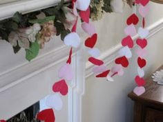 Sweet Bee Buzzings: Super Simple Heart Garland