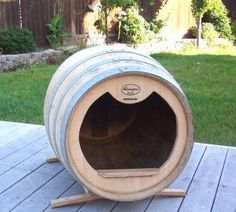 New Pictures wine barrel dog kennel Strategies Lots of people who purchase out of doors canine dog houses, have zero knowledge on HOW TO KENNEL TRAIN The DOG. Barrel Dog House, Puppy Room, Diy Dog Bed, Wine Decor, Dog Barking, Dog Crate, Animal House, Pet Beds, Dog Houses