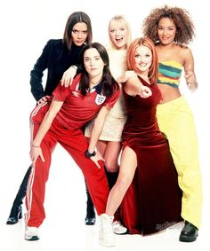 Wannabe a Spice Girl! Suki Waterhouse gives her pals Jourdan Dunn, Cara Delevingne, Karlie Kloss and Georgia May Jagger some girl power Cara Delevingne, Spice Girls Outfits, Baby Spice, Geri Halliwell, 90s Girl, Girls Rules, Some Girls, Mannequin, 90s Fashion