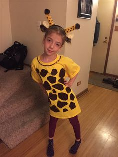 100 DIY Halloween Costumes for Kids and Adults for your to create a haunt mess - Hike n Dip - - Looking for DIY Halloween Costumes? Here are Easy DIY Halloween Costumes for Kids and Adults. These Halloween Costumes are also for groups & couples. Animal Costumes For Kids, Diy Halloween Costumes For Girls, Halloween Kids, Adult Costumes, Halloween Games, Halloween Makeup, Halloween Projects, Halloween Decorations, Outdoor Decorations