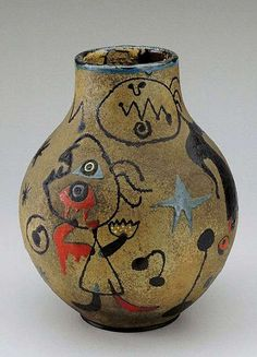 Jojan Miro ceramic vase with abstract hand-drawn decoration
