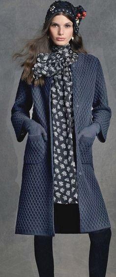 Discover thousands of images about Fold and seam cardigan inspiration crochet knit Knitting Stitches, Knitting Designs, Hand Knitting, Knitting Patterns, Knitted Coat, Coat Patterns, Crochet Fashion, Mode Style, Crochet Clothes