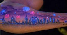 50 εντυπωσιακά τατουάζ που λάμπουν κάτω από το υπεριώδες φως