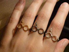 Harry Potter Lightning Glasses Ring...@Ali Velez Helton i feel like this should be your wedding ring!;)