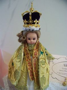 Queen elizabeth Crowning glory 8 inch Madame by danishjane on Etsy
