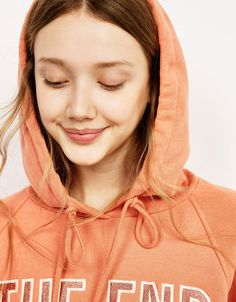 Embroidered cropped hooded sweater - Sweatshirts & Hoodies - Bershka Tunisia