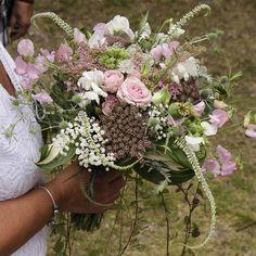 """Anna-Karin Tillström på Instagram: """"Mycket stolt över att fått göra brudbukett till finaste @anncha71 och @fyffet som gifte sig igår.    My first bridal bouquet ever. The…"""" Floral Wreath, Wreaths, Flowers, Anna, Bouquet, Instagram, Decor, Floral Crown, Decoration"""