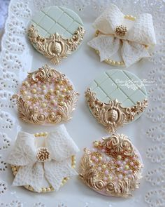 New cupcakes fondant boda ideas Fondant Cookies, Fondant Toppers, Cupcake Cookies, Cupcake Toppers, Oreo Cookie Cake, Bridal Cupcakes, Wedding Cookies, Cupcake Vintage, Fancy Cookies