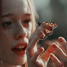 Anne Shirley, Gilbert And Anne, Anne White, Amybeth Mcnulty, I Kissed A Girl, Gilbert Blythe, Anne With An E, Aesthetic Wallpapers, Pictures