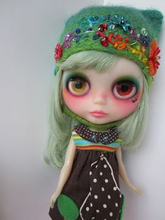 Blythe with two different colored eyes