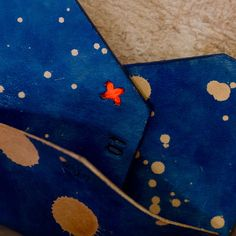 STUDIO MUNIQUE space blue card holder | selekkt.com #studiomunique #manufactur #handmade #leather #stuff #fashion #keyring #wallet #design #munich #denim #mensfashion #custom #orginal #handcrafted #qualitygoods #patina #artisan #keyfob # keychain #handstiched #graphic #moneyclip #madeingermany #love #sewing
