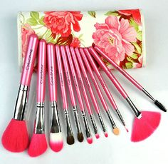 Retro flowers makeup brush set