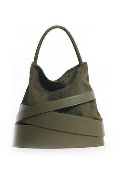 leather handbags and purses Summer Handbags, Tote Handbags, Purses And Handbags, Tote Bags, Luxury Handbags, Radley Handbags, Summer Purses, Designer Leather Handbags, Stylish Handbags