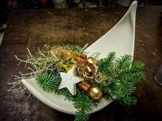 eleganter Advent  #Adventsgesteck   #Advent   #Weihnachten   #Valentino   #Gesteck   #Floristik    EBK-Blumenmönche Blumenhaus – Google+
